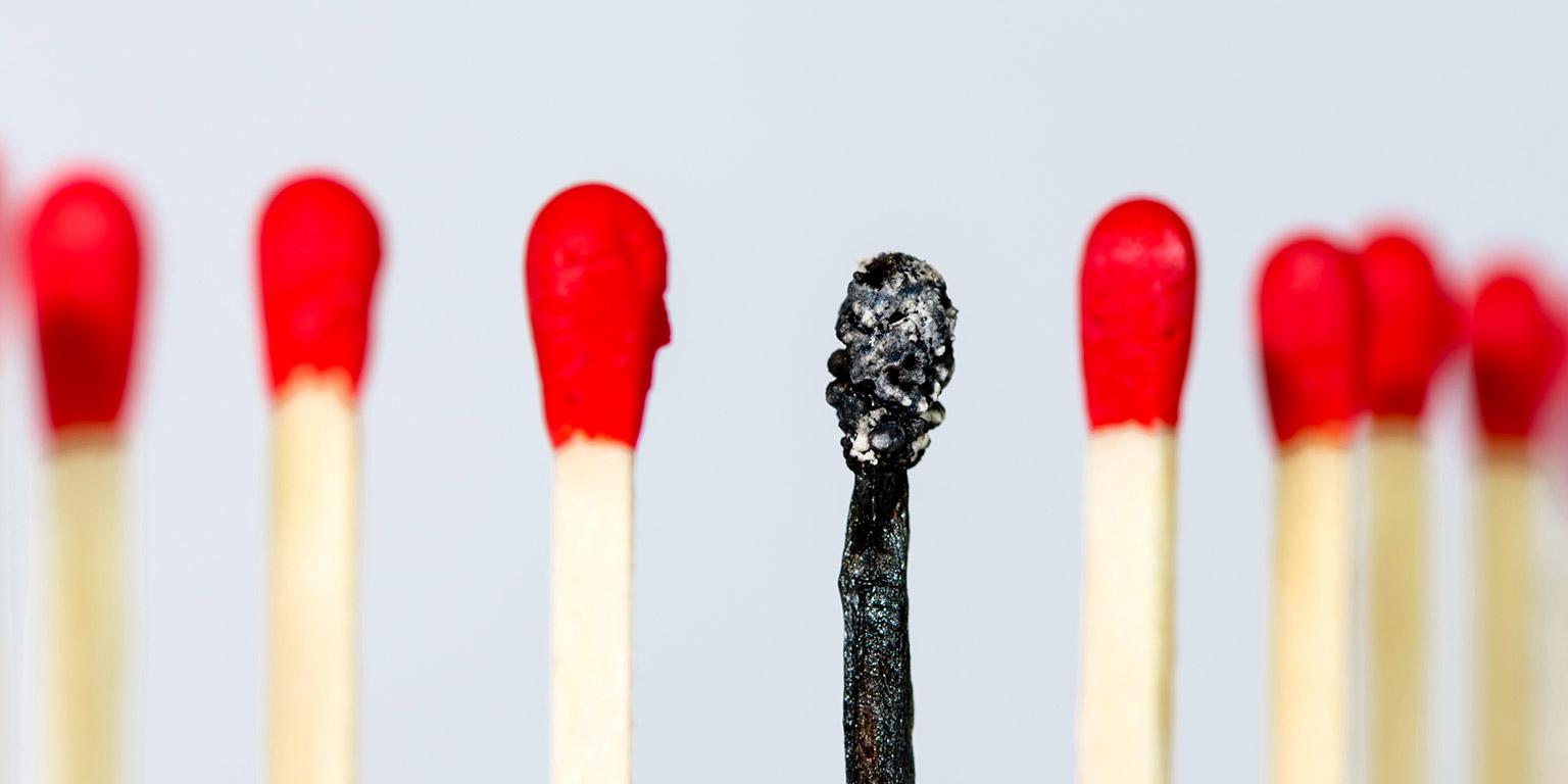 No meio da fogueira: quem corre o risco de correr burnout?